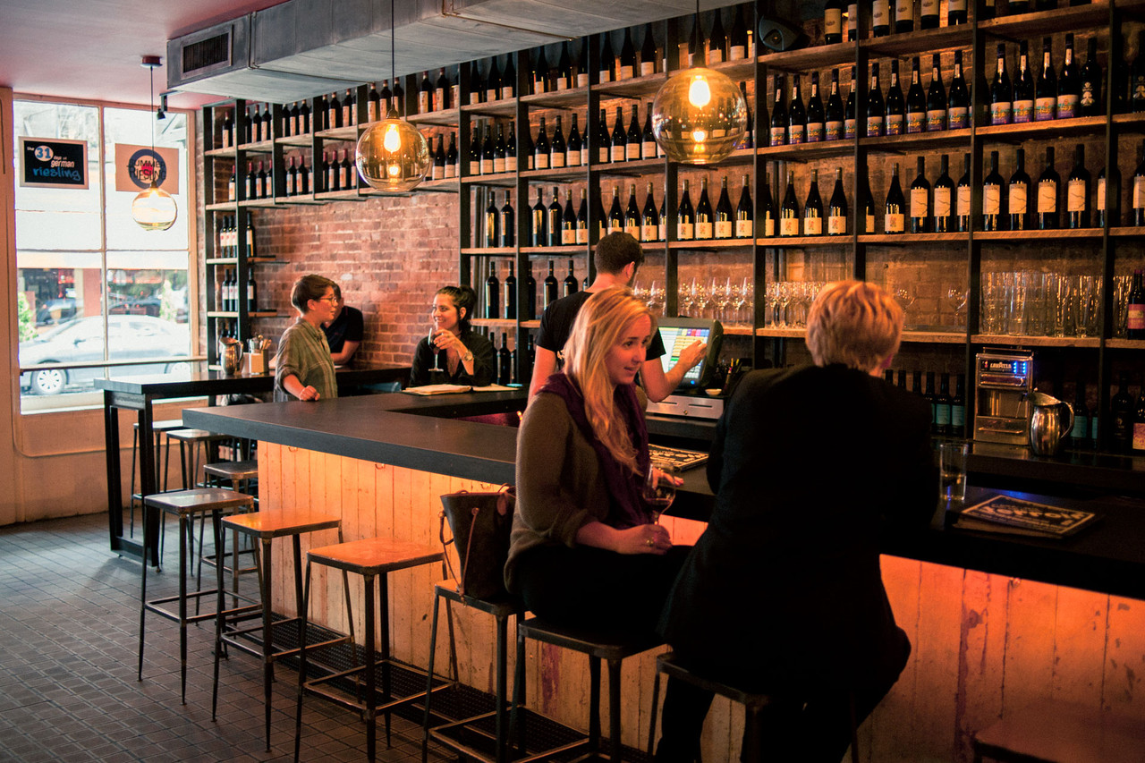 Wine Bars For any Wine Lover's Home