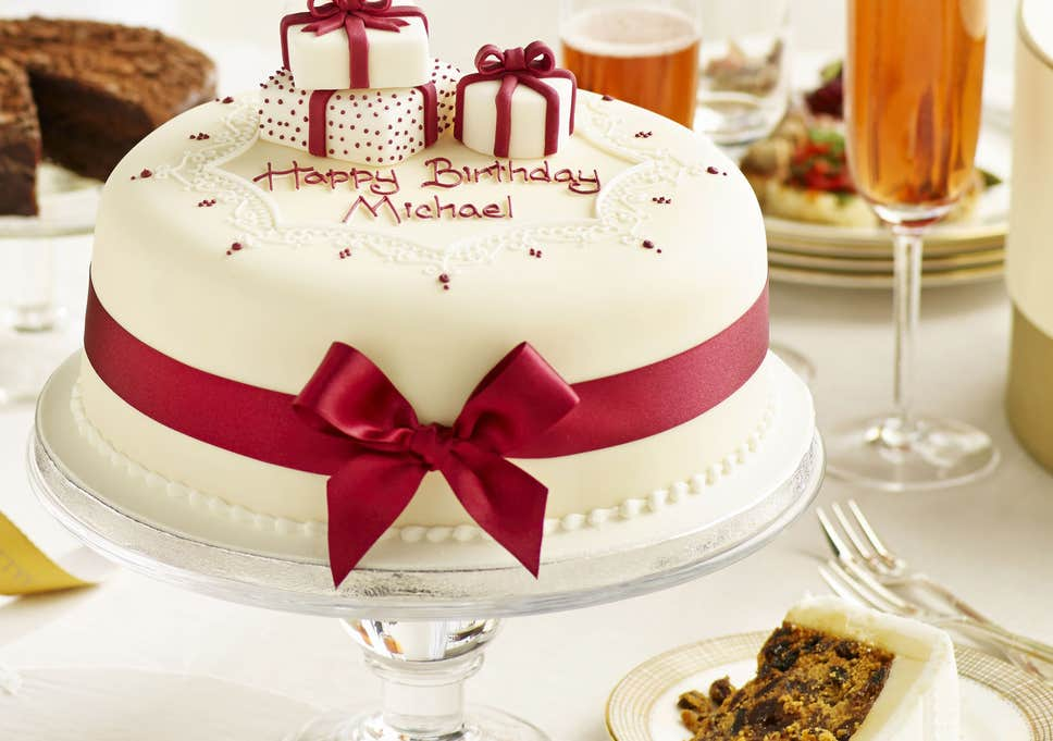Save Your Time by Searching for Birthday Cakes Online